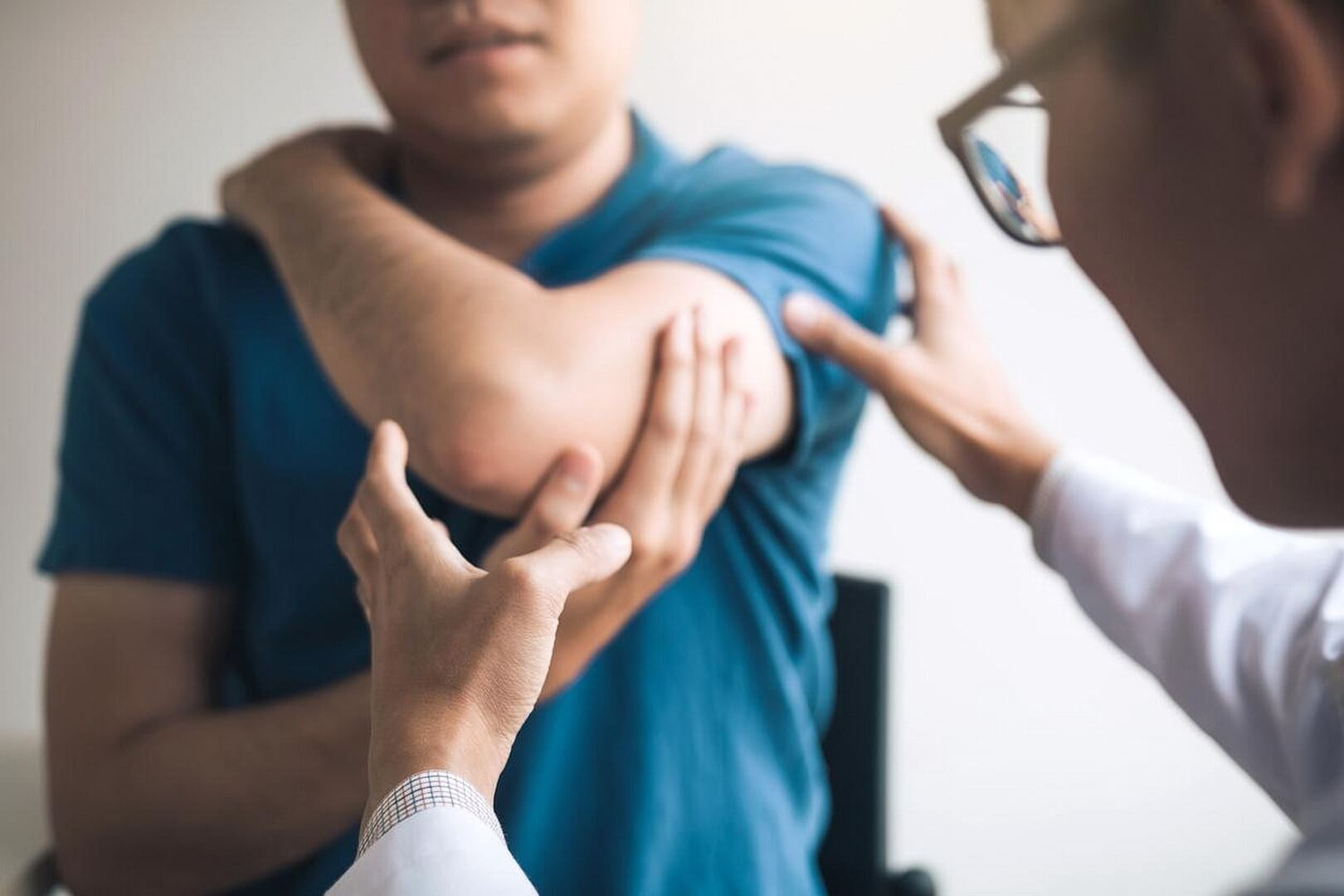Dislocated Elbow Causes and Treatments